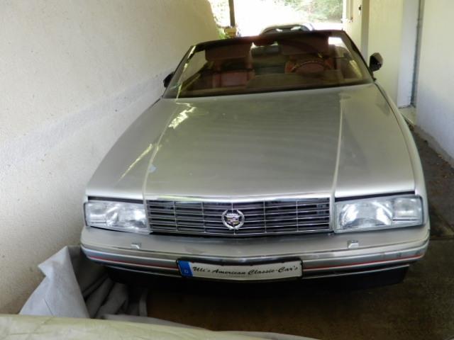 Cadillac Allante Convertible mit Hardtop