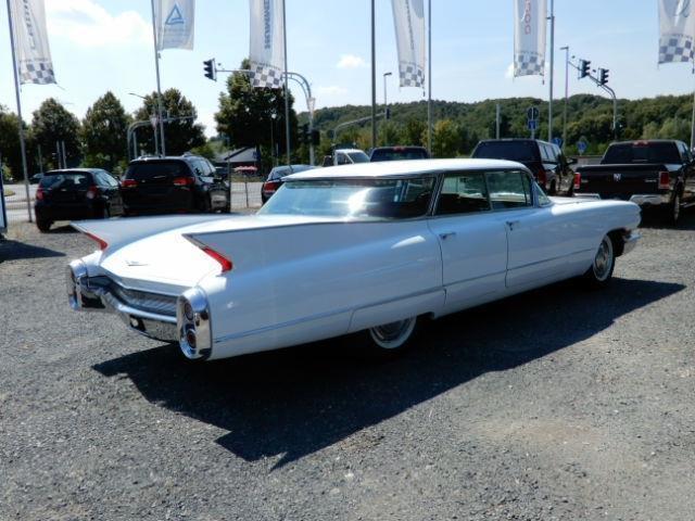 Cadillac Deville Sedan De Ville Flattop 4-Door